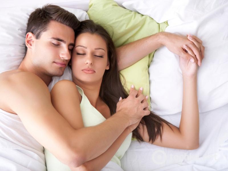 Жена придумала гениальный способ незаметно избавиться от любовника!