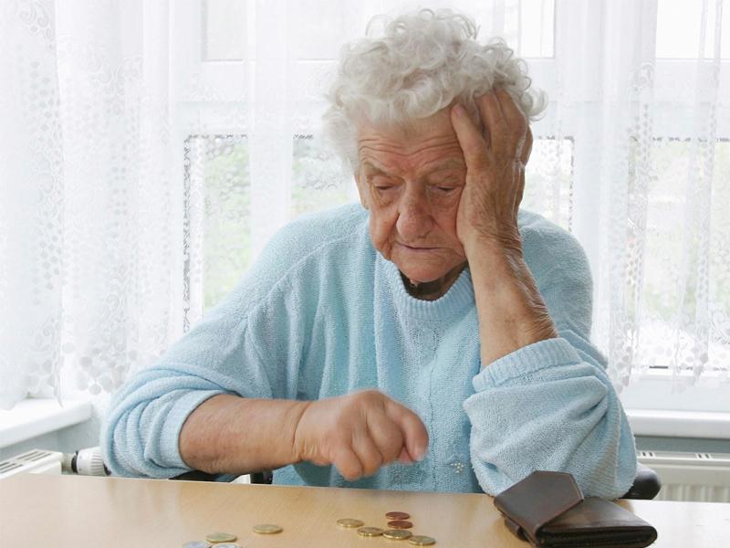 Они помогли 83-летней женщине, у которой украли кошелек. Но, даже не ожидали от нее такого шокирующего ответа!