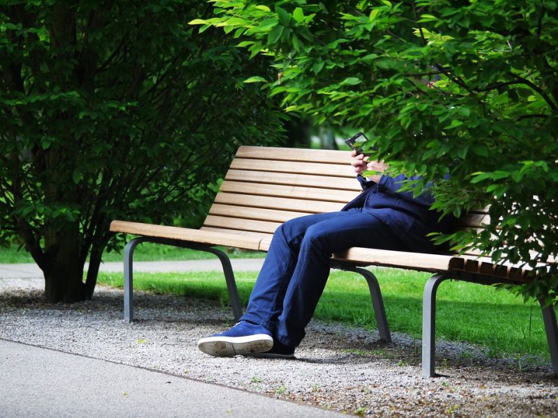 Этот бизнесмен был на грани банкротства, когда старик в парке предложил ему свою помощь…
