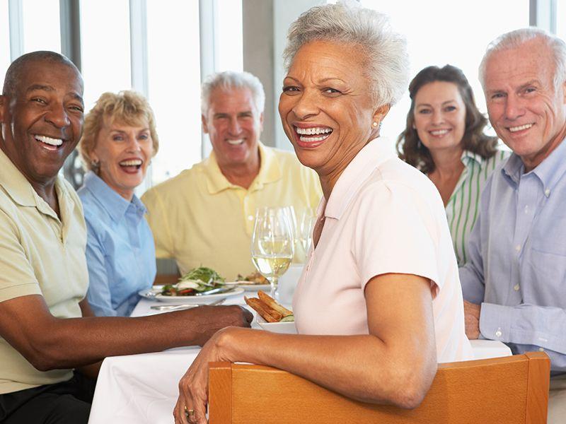 Несколько пожилых людей обсуждали проблемы со здоровьем. Но, в конце было нечто!
