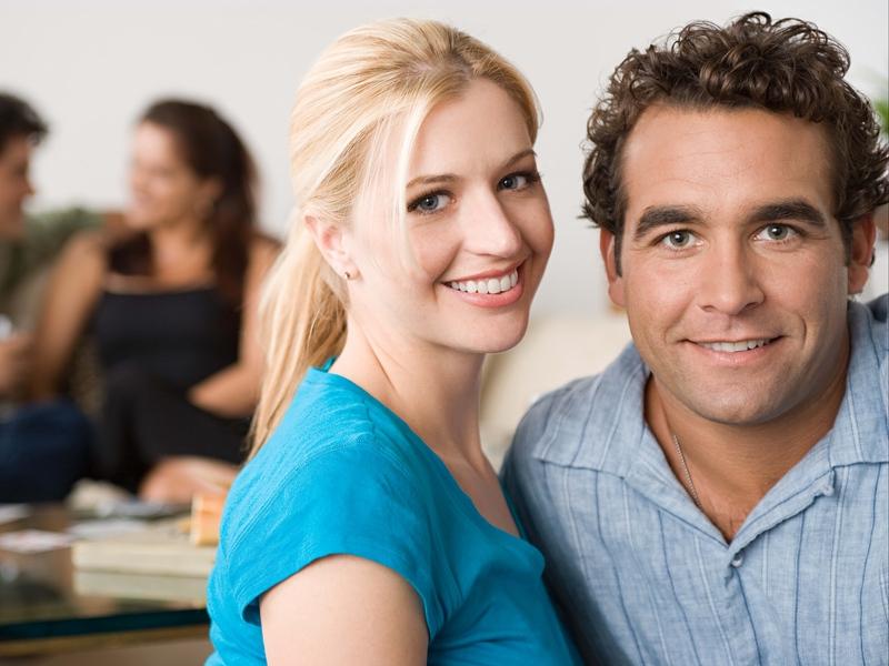 Блондинка подбежала к мужу на подъездной дорожке. Он не представлял такой новости!
