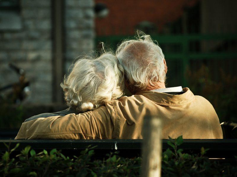 Медсестра спрашивает пожилого пациента, почему он так спешит. Ответ мужчины тронет тебя!