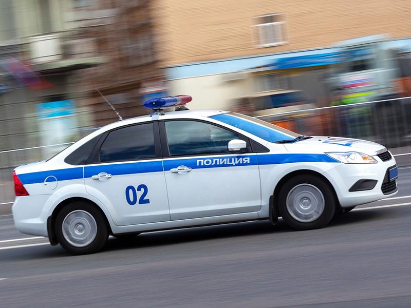Полицейский гонится за бесшабашным водителем, но его открытие совершенно неожиданно!