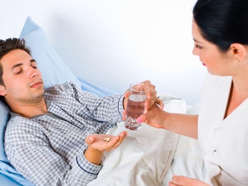 Медсестра обещала не смеяться над проблемой этого мужчины. Но, это не удалось!