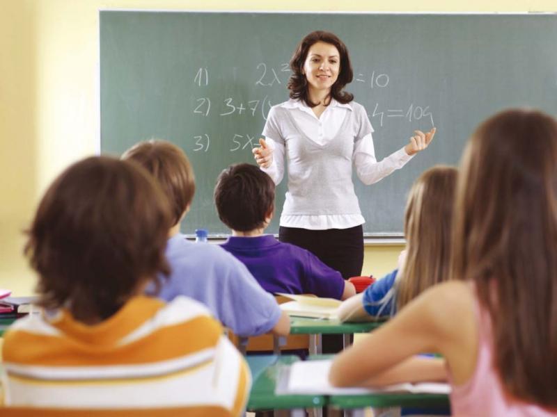 Учитель расстраивается из-за глупых ответов ученика, но его последний ответ меняет все!