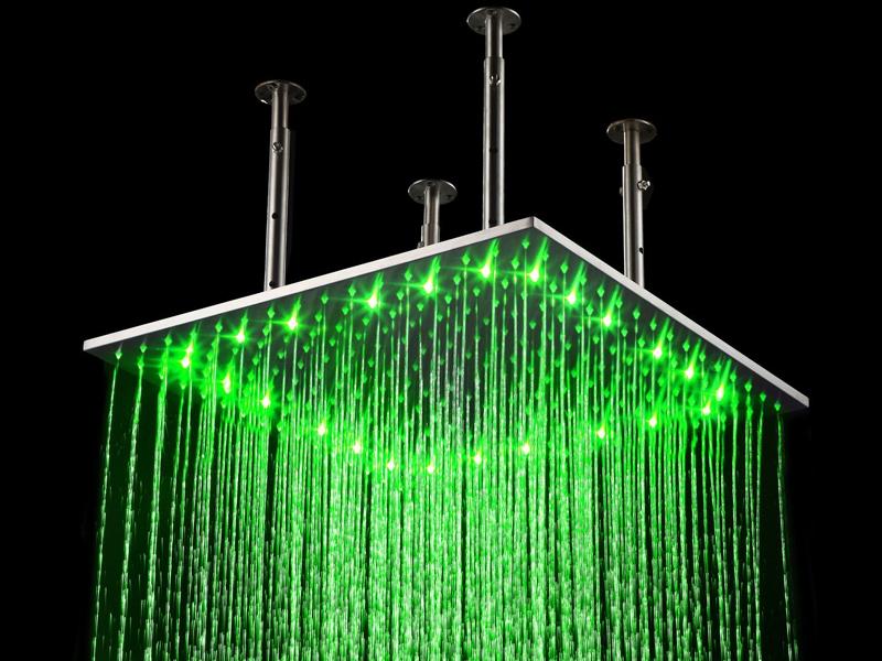 Теперь ребятам очень весело принимать душ!