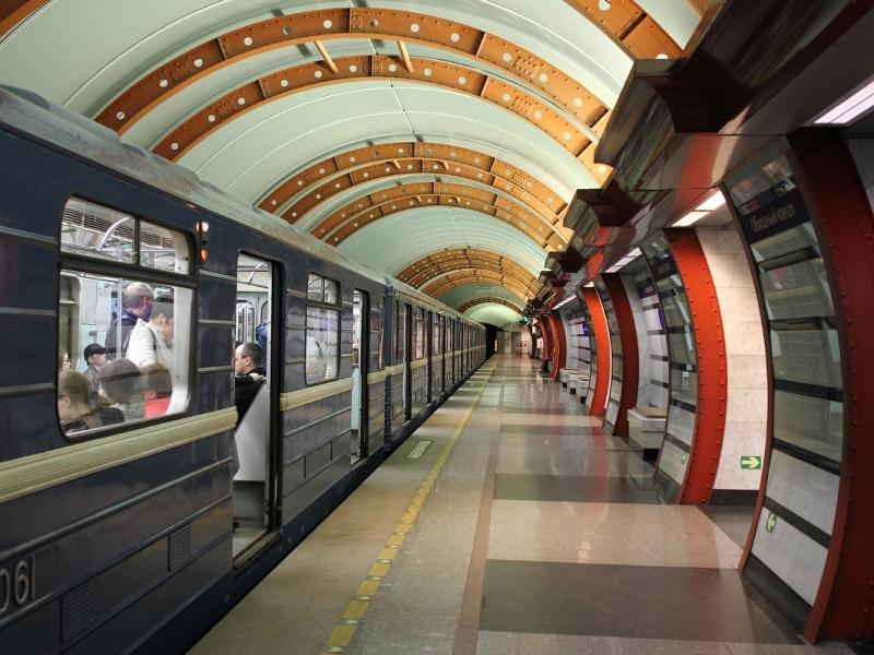 Весёлая и неловкая ситуация выдалась в метро!