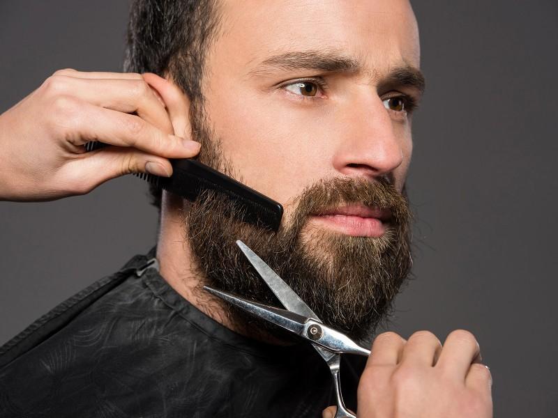 Борода спасла мужчину в очень ответственный момент!