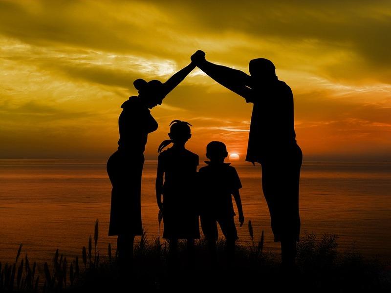 Далеко не всем попадаются хорошие родители…