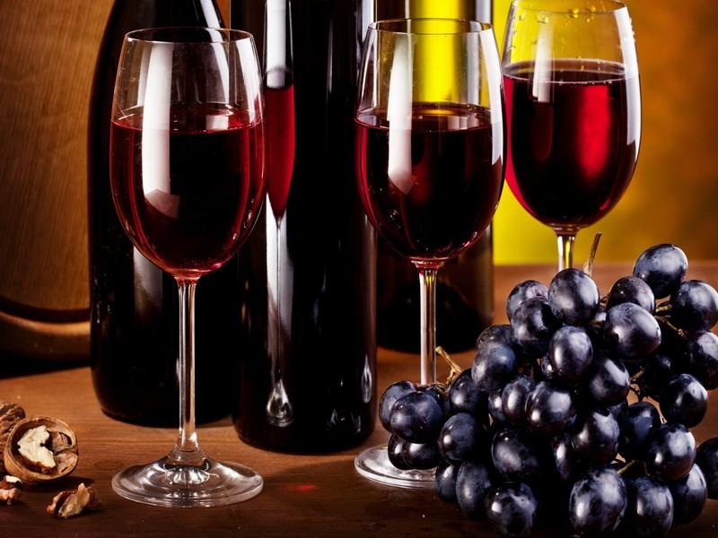 Дата изготовления вина мгновенно изменила их мнение!