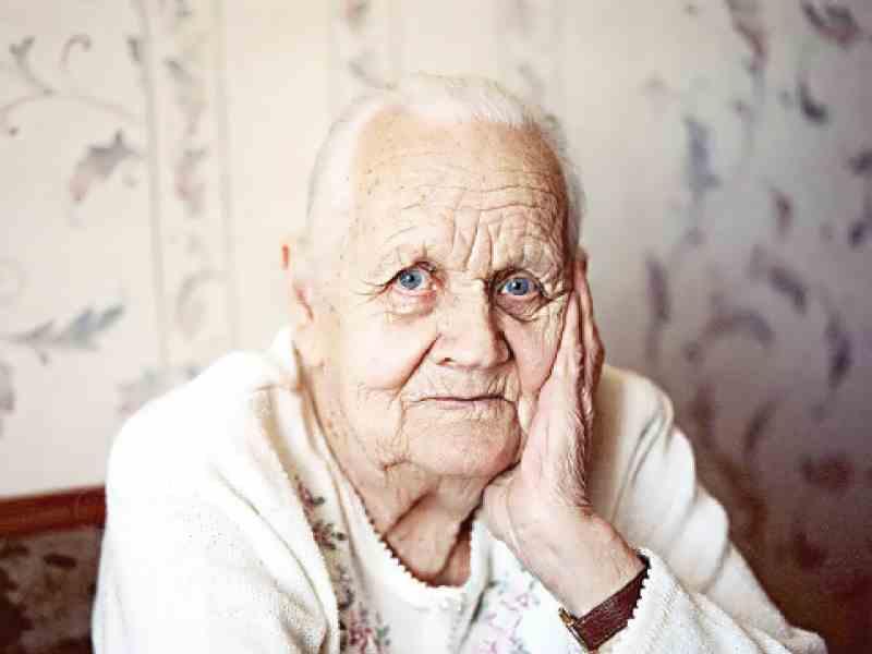 Бабуля очень помогла ему своей опекой и сделала из него человека!
