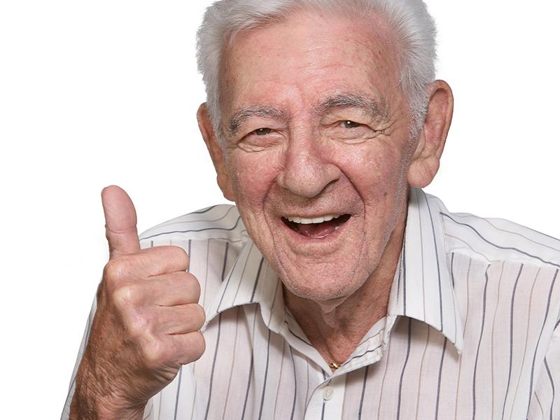 Дедушка искренне верит в исполнение мечты своей внучки!