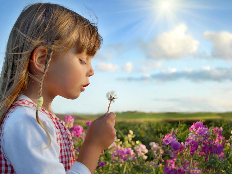 Девочка в будущем вырастет очень экономной!