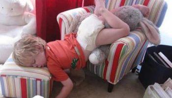 15 доказательств и фактов того, что дети могут уснуть где угодно