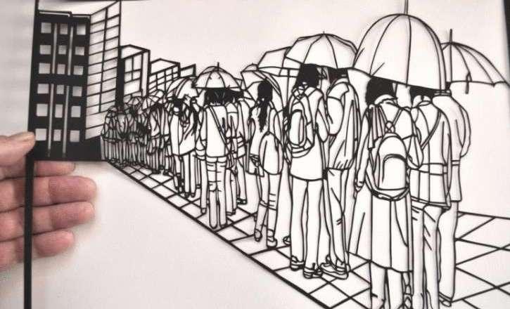 Пенсионер из Пскова вырезает картины из бумаги, которые удивляют своей утончённостью…