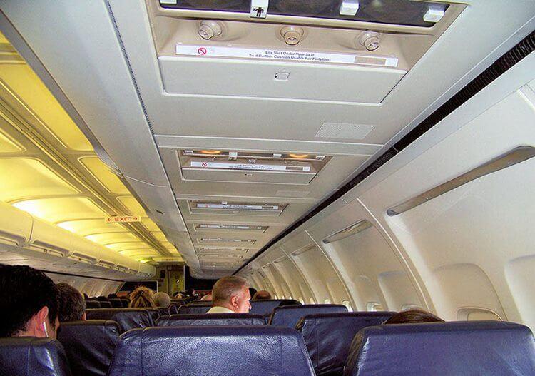 12 истин о перелетах в самолете, о которых мало кто знает: Пить чай на борту не рекомендую лично