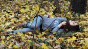 Он сбил девушку и увез ее в лес…От гибели пострадавшую спасла бездомная собака