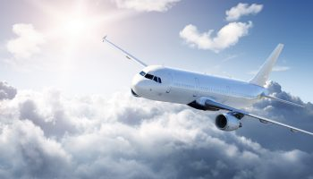 Невероятно, но факт! Знаете почему самолеты летают на высоте 10 км?