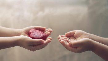 Забавный закон отношений: Больше помогаешь — Хуже к тебе относятся