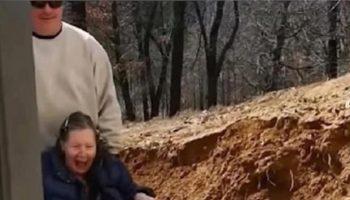 Молодой человек сделал из своего подвала супер люкс для своих любимых родителей
