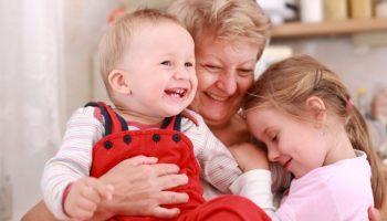 Бабули и дедули никогда не уходят от нас, они просто становятся невидимыми…