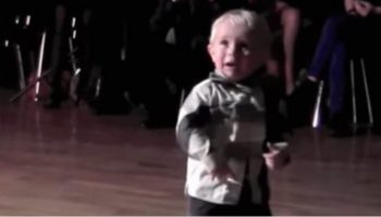 2-х летний мальчик танцор собрал на YouTube 31 миллион просмотров!