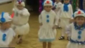 Талантливый Снеговик-танцор просто порвал танцпол