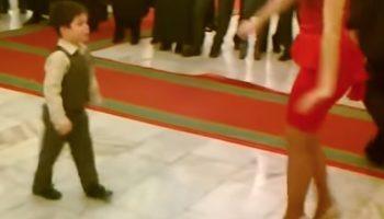 Мальчик пригласил красавицу на танец. Через минуту публика ликовала от его танца!