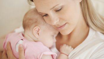 Услышала вчера, что бывшая девушка сына ждёт ребёнка. Она уверяет, что претензий к моему сыну не имеет