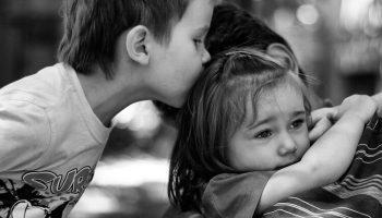 Однажды этому мальчику все-таки повезло, его усыновили, а он спас дочку своих новых родителей