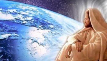 Существует легенда, по которой к каждому из нас хотя бы раз в жизни приходит Бог