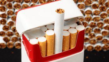Из чего делают наши сигареты? Даже волосы встают дыбом!