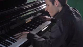 Виртуозная, гениальная, шедевральная игра на фортепиано пианиста просто ошеломляет!