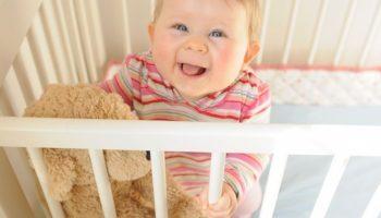 Они усыновили малыша, а через 3 месяца узнали кое-что, что очень удивило их