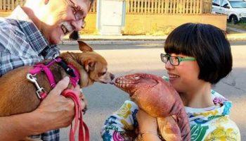 Странная рептилия, которая ведет себя словно собака, стала звездой в соцсетях