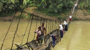Самые необычные и «тяжелые» дороги в школу по всему миру