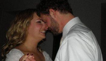 Девушка влюбилась в бездомного мужчину, который жил под кустом, и начала с ним отношения