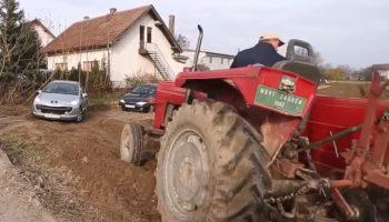 Фермер постоянно просил не ставить машины на его земле, но никто не слышал, и тогда он сделал невозможное