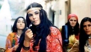 «Красавица из красавиц»: легендарная актриса Светлана Тома в 71 год выглядит моложе и элегантнее своей дочери