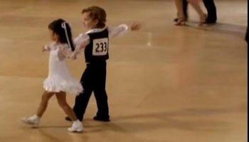 Эти талантливые детки со своим танцем набрали 5 млн просмотров!