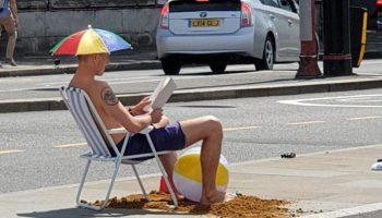 Жители Британии весьма оригинально провели самый жаркий июль в истории