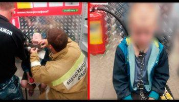 В Краснодаре в магазин вбежал мальчишка с цепью на шее, он спасался от собственного отца