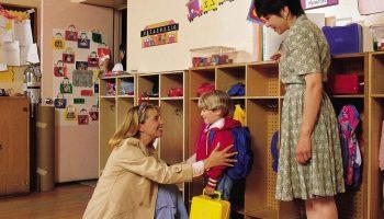 Мудрый мальчишка растет, нашел что ответить воспитательнице, которая постоянно просила денег
