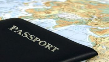 Нашла в коробке с документами загранпаспорт на своего мужа и какой-то девицы с новыми визами