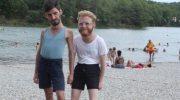 Парни попросили друга обработать в фотошопе и их фото из отпуска