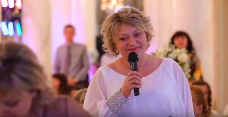 Мама сказала речь на свадьбе… Все гости плакали!