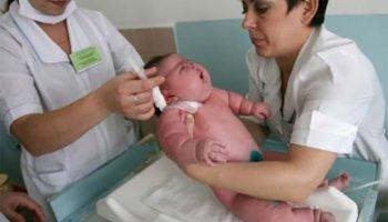Загадка для взрослых: сколько весит женщина, родившая младенца весом в 18 кг?