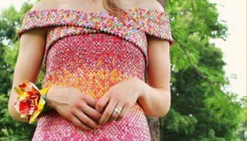 Девушка 4 года работала над своим нарядом. Материал, из которого было сделано платье Вас удивит!