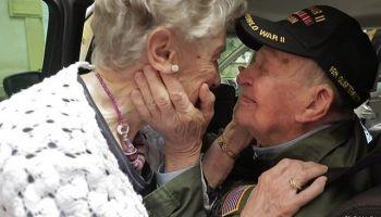 Ветеран Второй мировой встретился с первой возлюбленной, которую потерял 75 лет назад