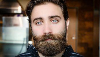 Была у брата борода, но его жена решила что это дорого. И ночью её обстригла
